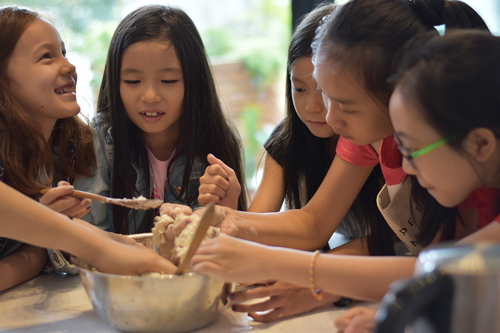 Culinary World Tour:  Parent-child Cooking Class / Vietnamese dishes