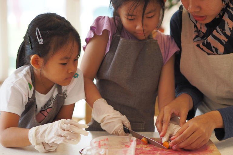 Culinary World Tour:  Parent-child Cooking Class / Japanese dishes