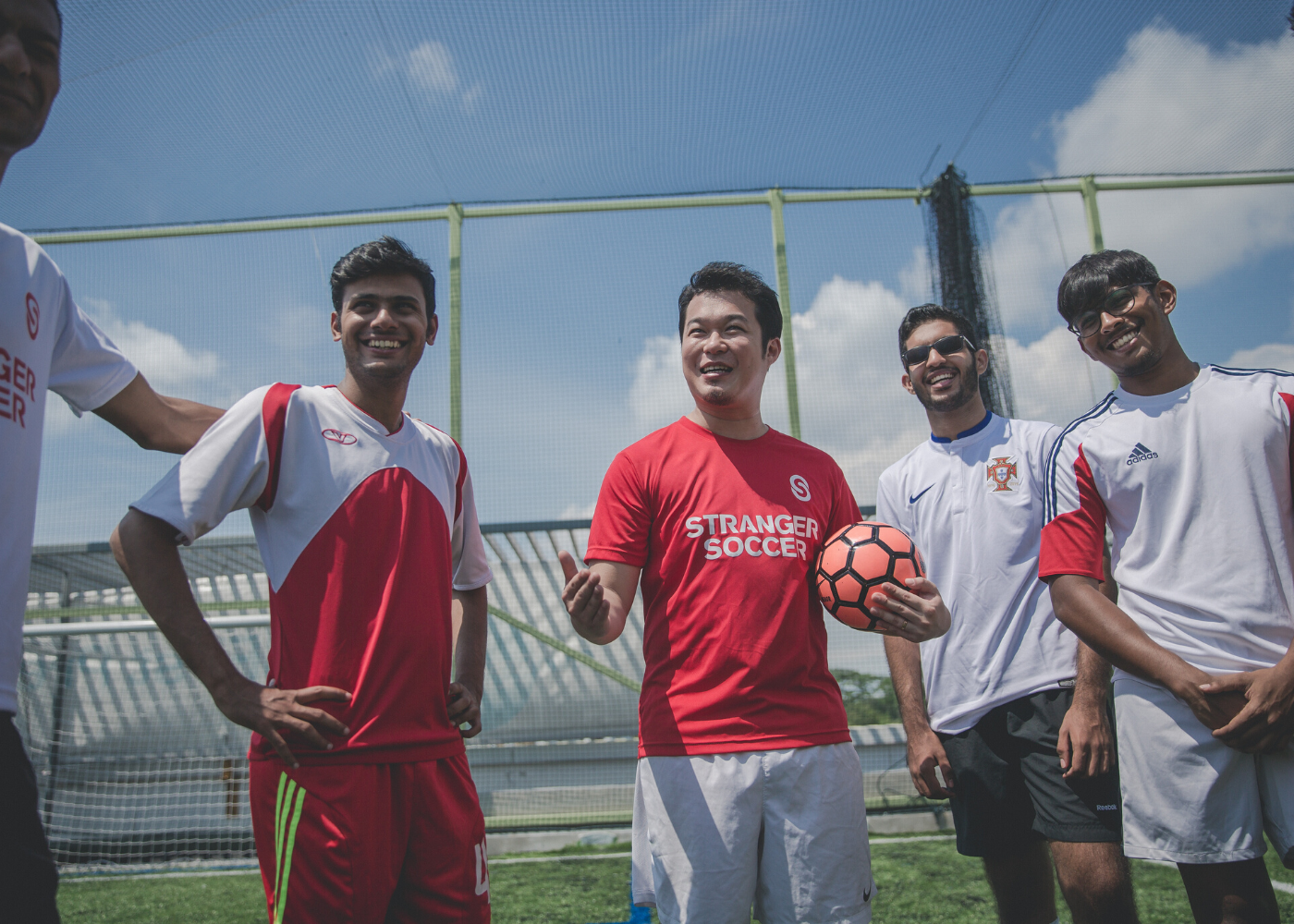 Grab your shoes! Stranger Soccer offers you the easiest way to join a football game