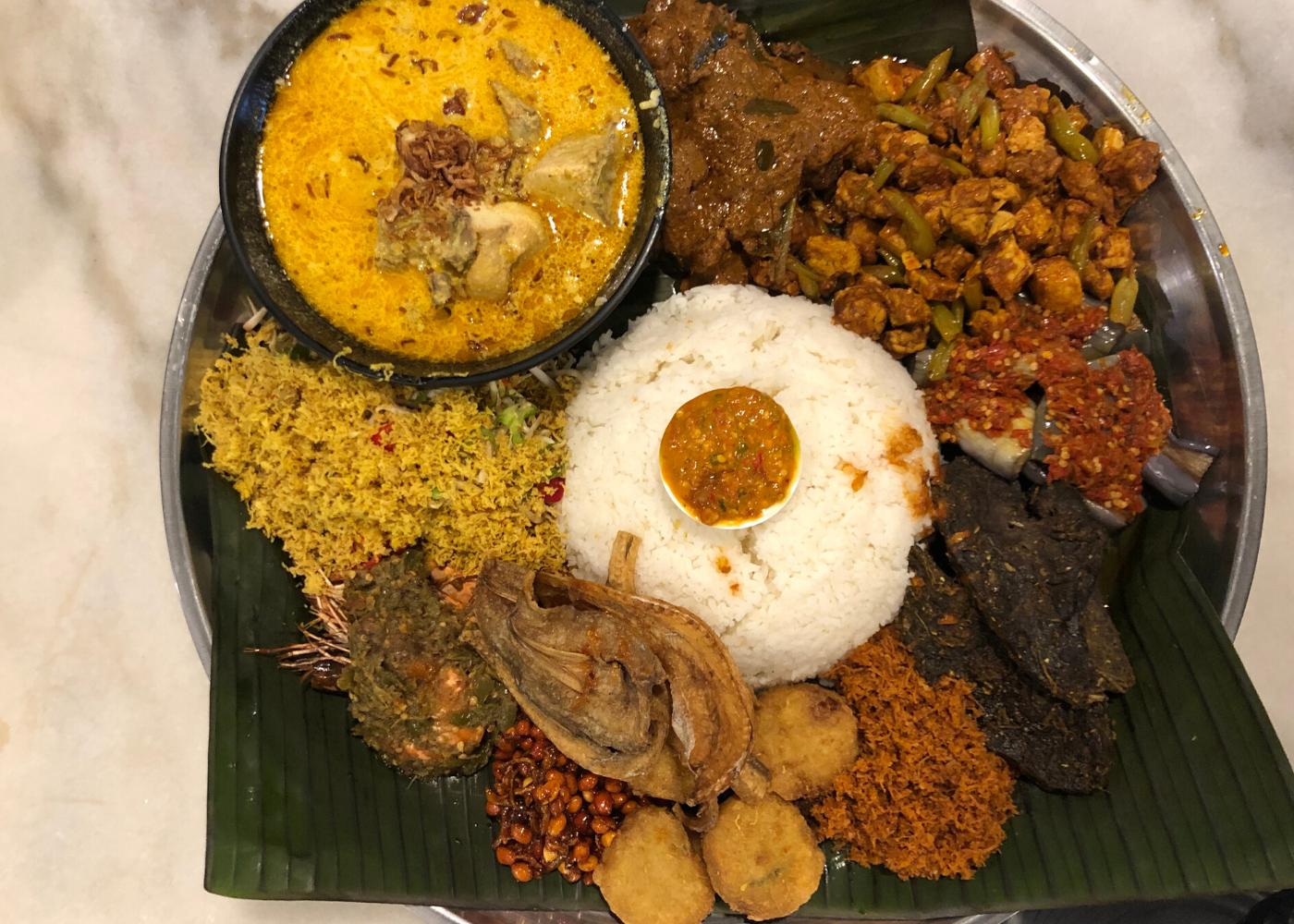 Nasi ambeng in Singapore