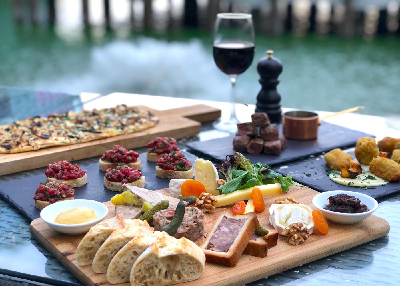 L'Entrecôte Bar | Alfresco restaurants Singapore