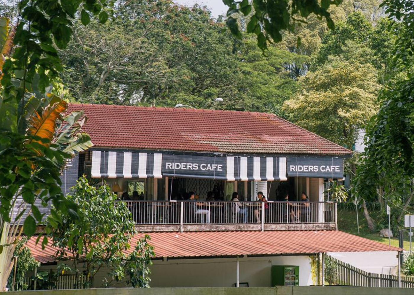 Alfresco dining spots | Rider's Cafe