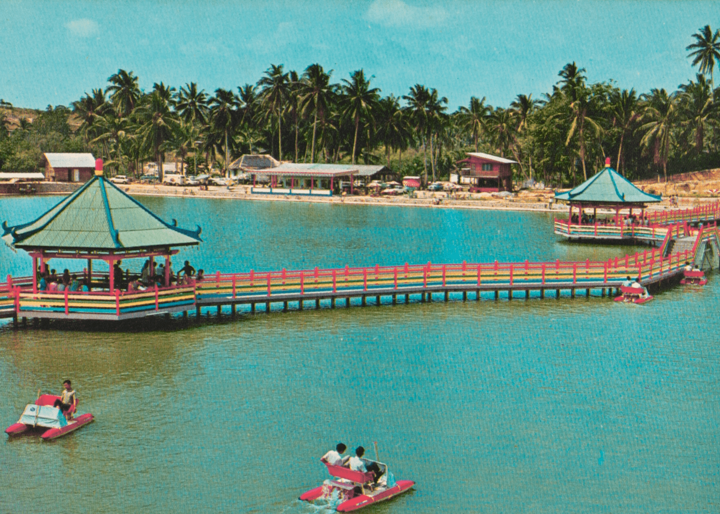 Golden-Palace-Holiday-Resort-1970s-Pasir-Ris-heritage-trail