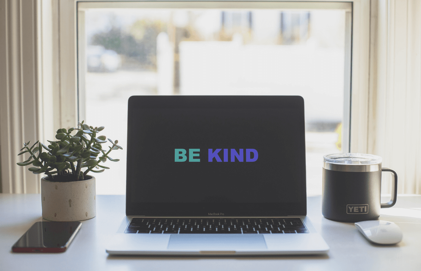 be kind words on laptop | inspiring stories covid-19