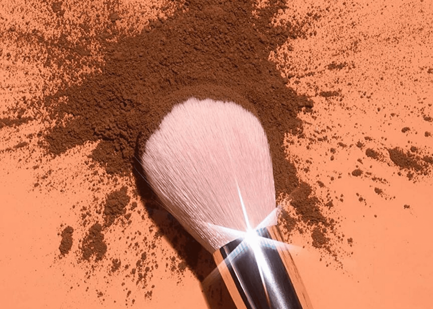 Oily skin's got nothing on these face powders that set makeup, leaving you with a luminous finish