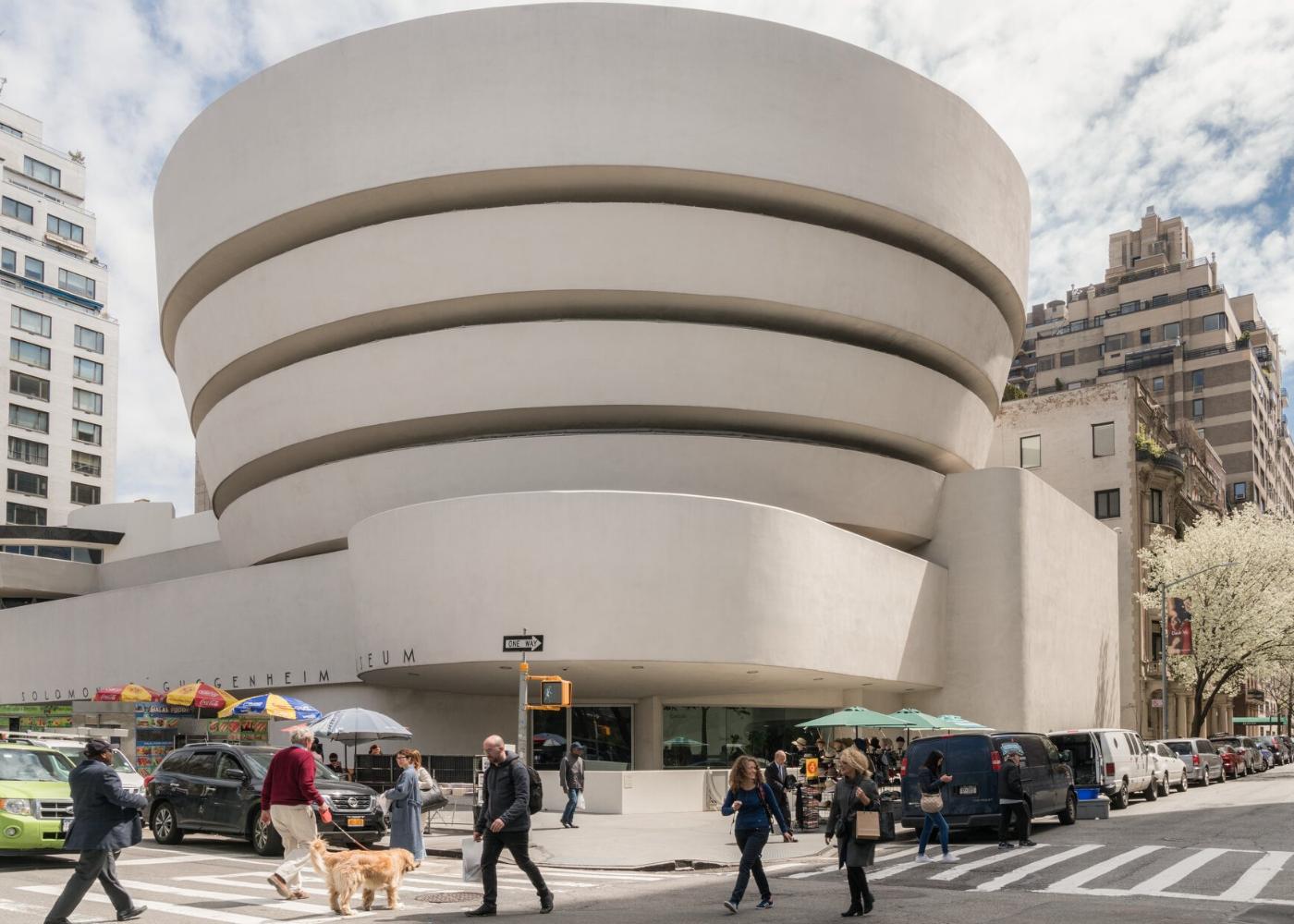 Virtual art exhibitions: Guggenheim Museum
