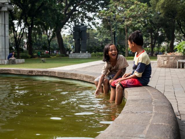 children jakarta park fountain