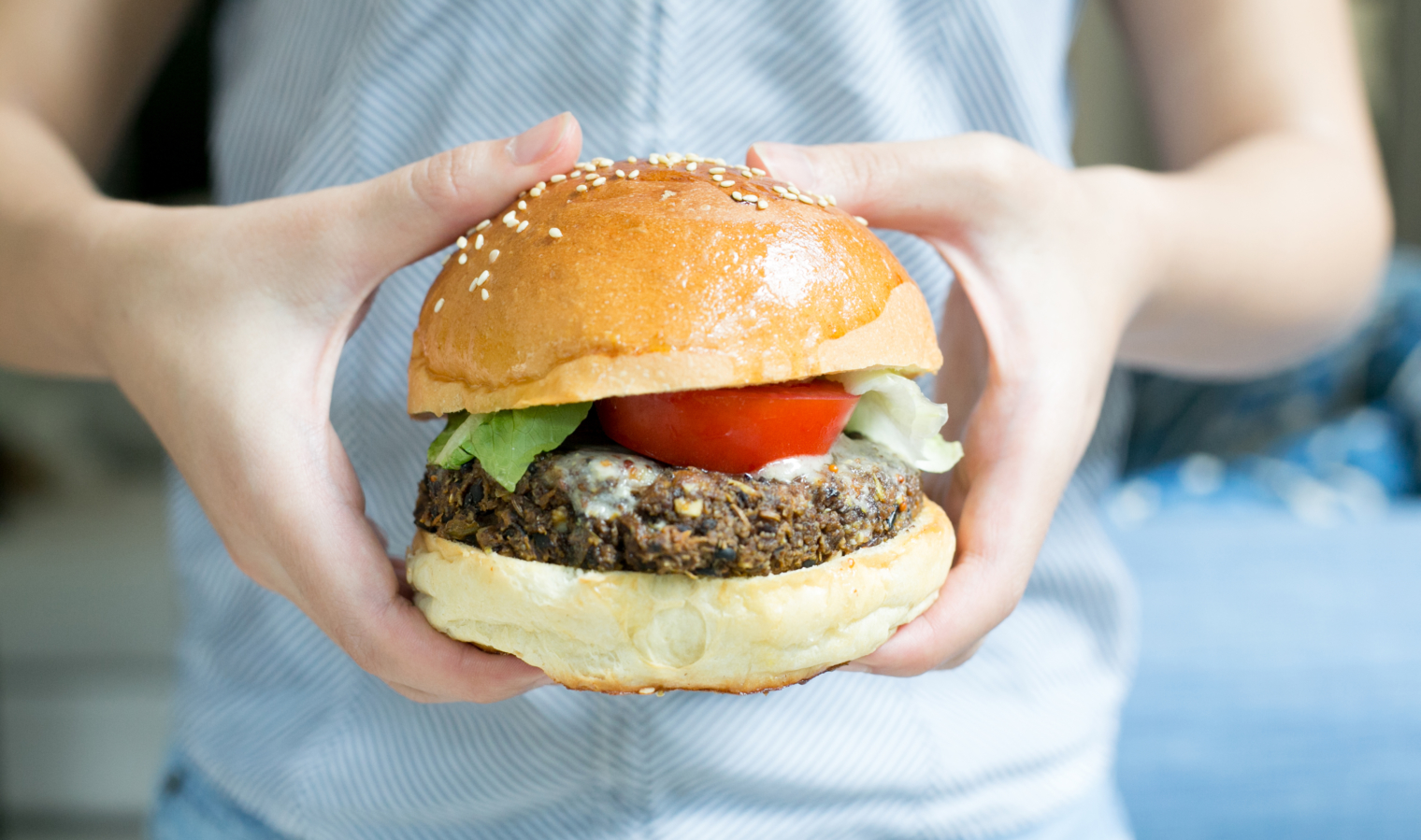 Black Bean Vegan Burger Recipe: How to make the best homemade vegan burger ever