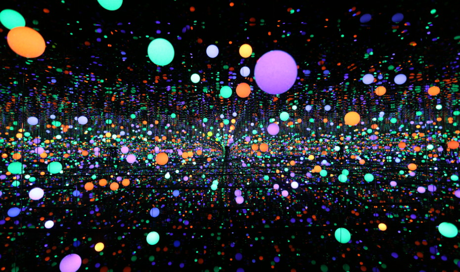 Yayoi Kusama - Infinity Mirrored Room - Brilliance of the Souls - 2014