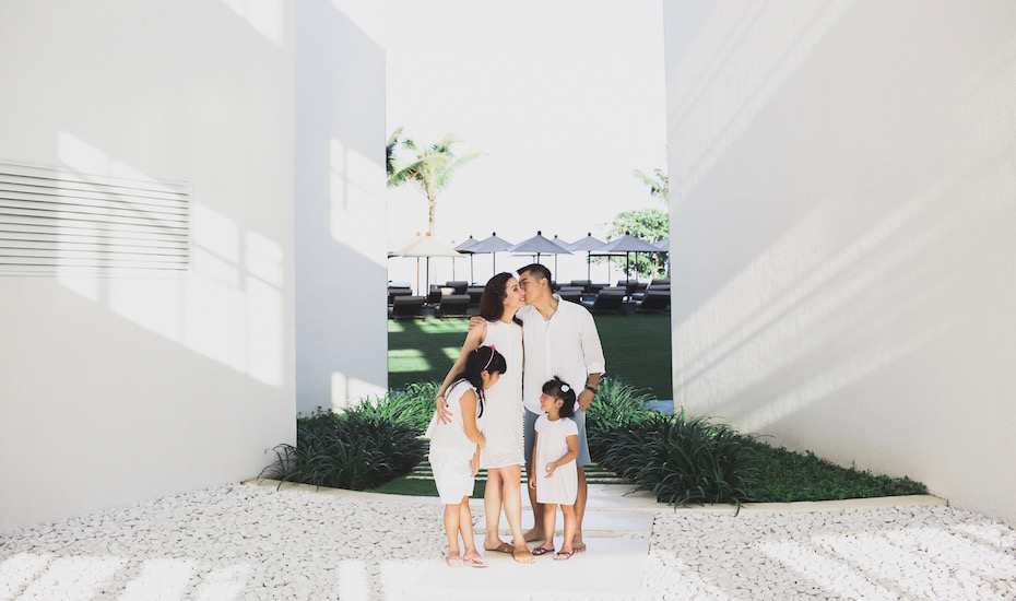 Alila Seminyak teams up with SweetEscape, the personal photography service perfect for engagement shoots, bachelorette trips, and family holidays