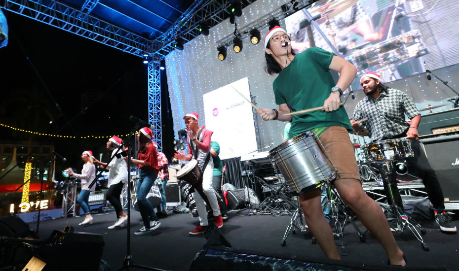 Orchard Road's Christmas on A Great Street festival is why you should book a flight to Singapore for the holidays