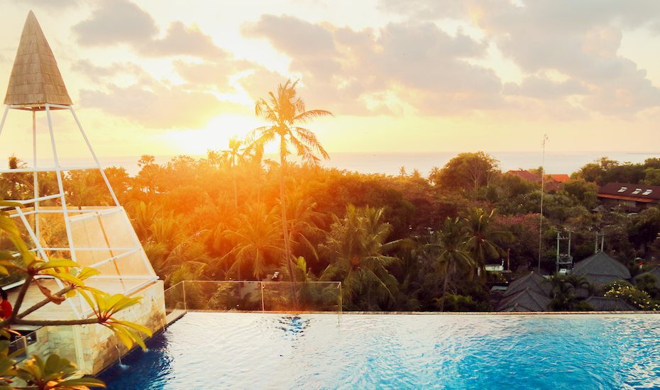 Save on your vacay when you stay at FOX Harris Hotel's contemporary mid-range hotels in Bali, Bandung and Pekanbaru