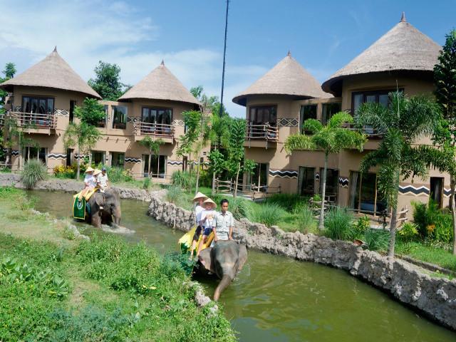 Family Holidays in BalI: Mara River Safari Lodge