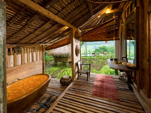 Bambu.Indah.Afrika.House.bathroom.Djuna.Ivereigh1.1024x726