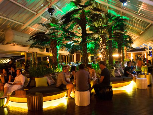 Live music in Bali: Double Six rooftop