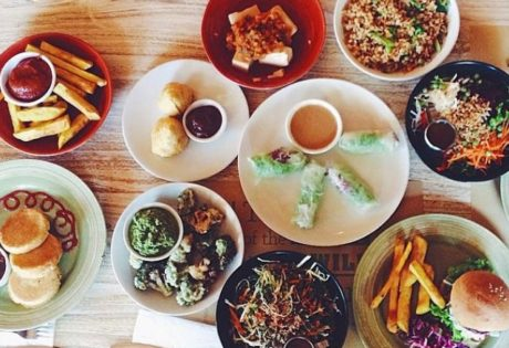 Vegan restaurants in Bali: Earth Cafe