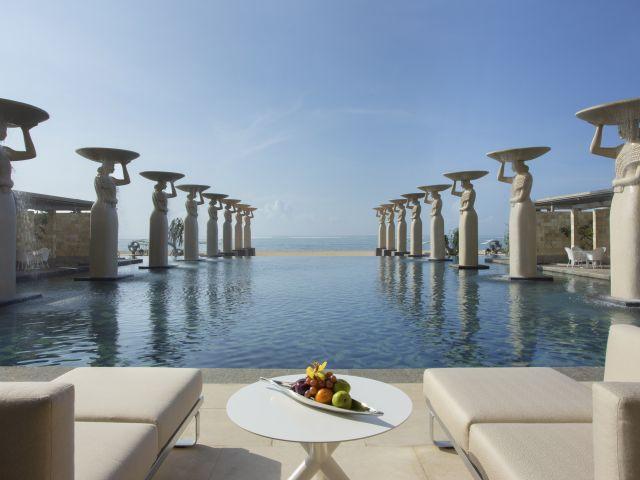 Hotel deal in Bali: The Mulia