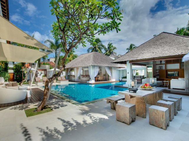 Villas in Seminyak:  Stylish, luxe villas located in only the best areas of Oberoi, Eat Street or Batu Belig