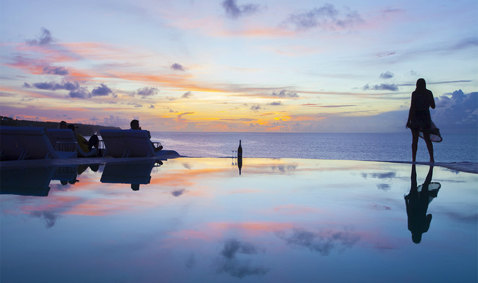 best sunset bars in Bali - el Kabron Uluwatu