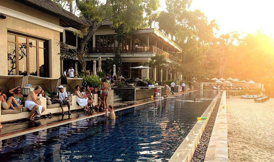 best sunset bar in Bali - sundara four seasons jimbaran