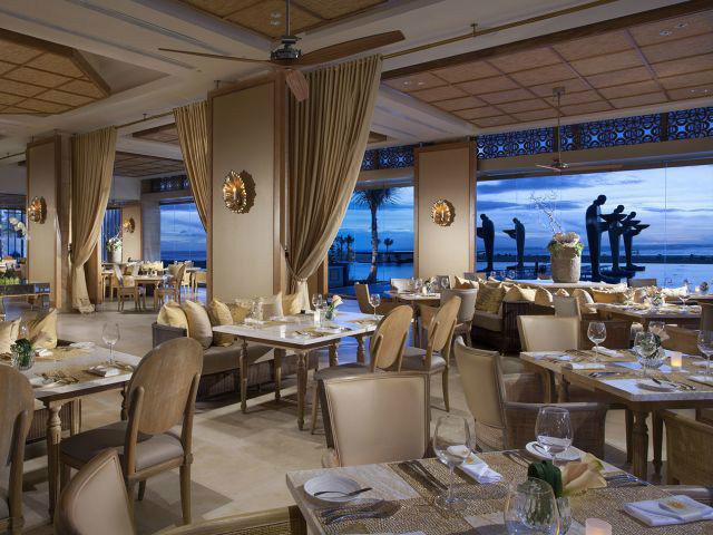 Restaurants on the beach: Soleil