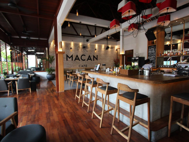 Places to Eat in Berawa: McCan Cafe