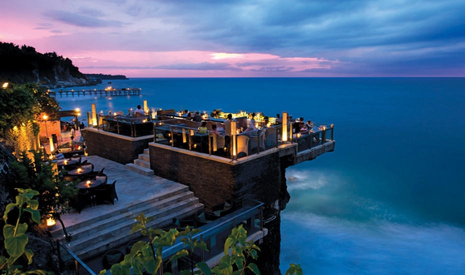 Bali's Best Bars for the Perfect Date Night with Cocktails, Music and Sunsets