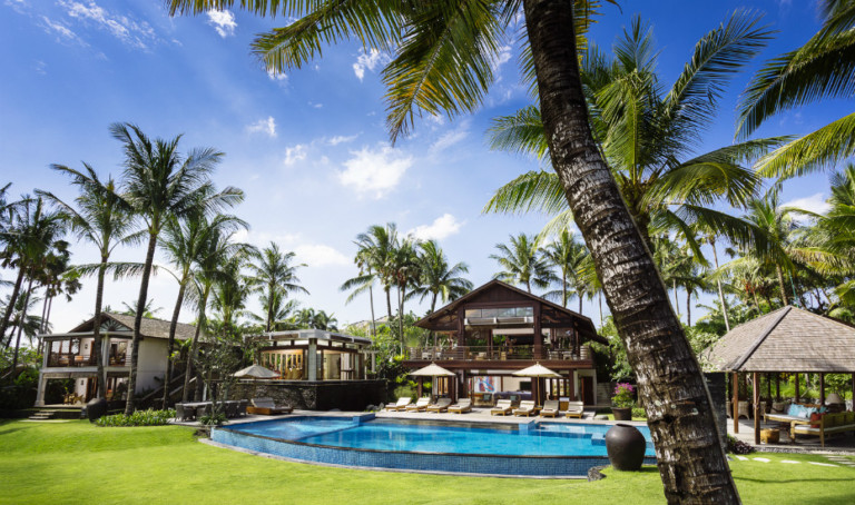 Stunning Villa in Bali with Pool Bar, Tennis Court and an Ocean View to Die For!