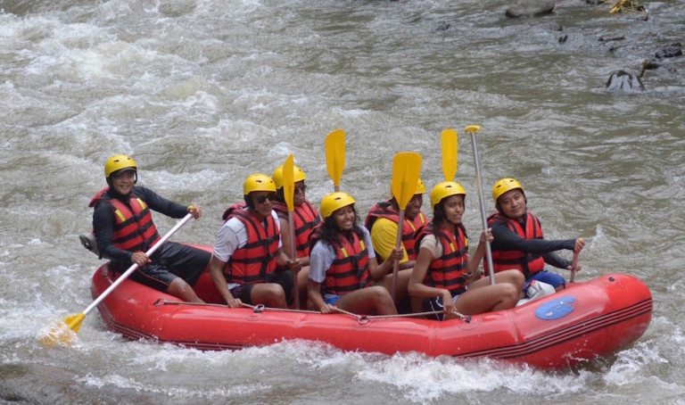 Barack Obama in Bali: The former US President was spotted white water rafting in Ubud with Michelle and the kids – #familygoals, anyone?!