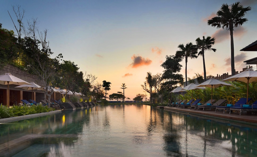Here's 5 reasons we LOVE Hotel Indigo Bali Seminyak Beach – the island's latest design-led oceanfront hotel and the hottest new lifestyle hub in the 'hood!