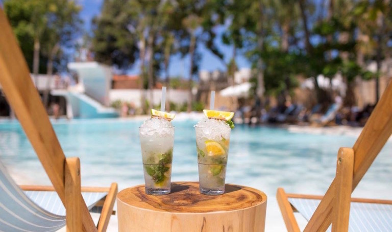 Bottom's Up! These are Seminyak's best Happy Hours for sweet deals on wine, cocktails & ice-cold beers in Bali
