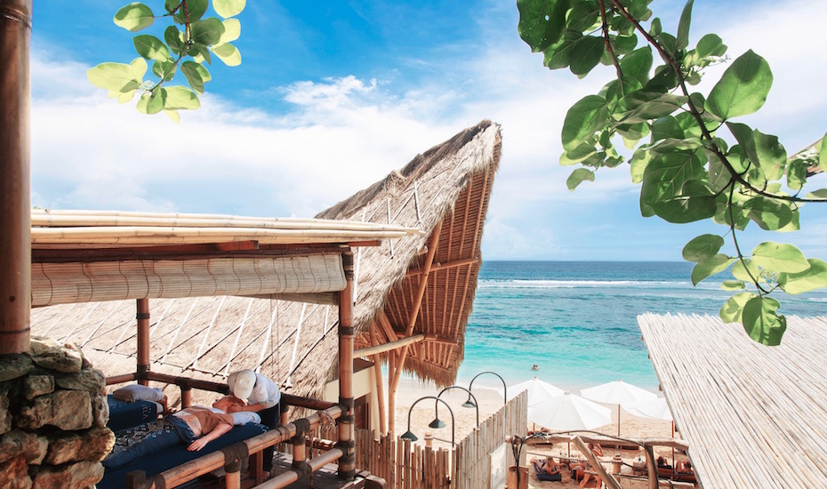 Best beach clubs in Bali - Sundays Uluwatu