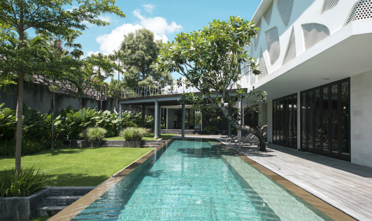 Villa Review: We stayed at Villa Issi in Seminyak and fell head over heels for its stylish design & sun-soaked infinity pool