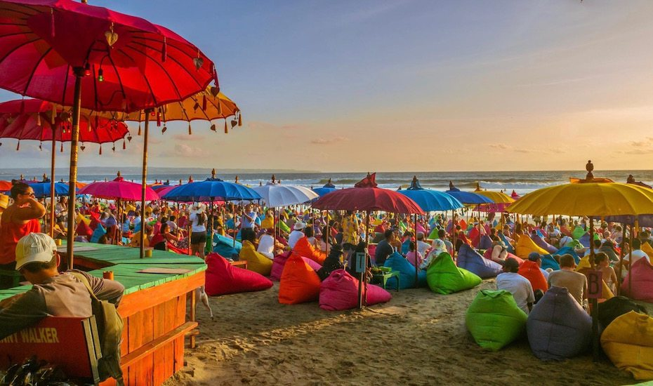 30 Best Sunset Bars In Bali With Ocean Views Galore Honeycombers Bali