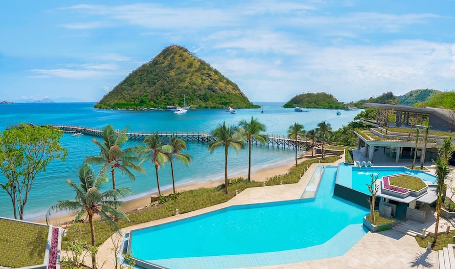 AYANA Komodo Resort, Waecicu Beach