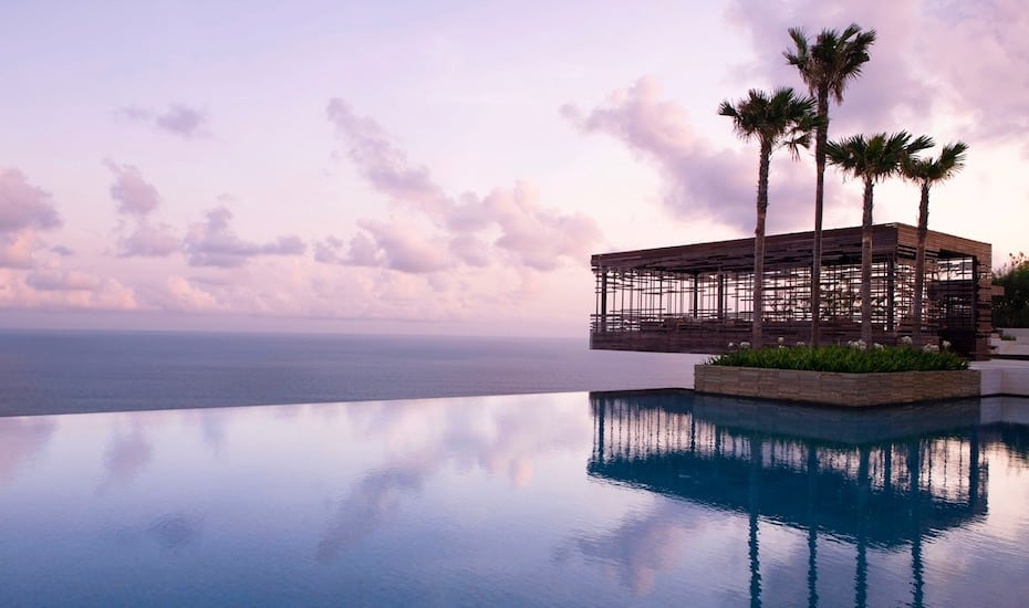 Clifftop infinity pool and birdcage bar at Alila Villas Uluwatu in Bali - Indonesia
