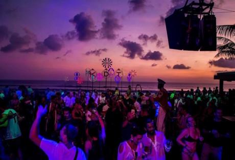 KU DE TA Endless Summer party August 2018