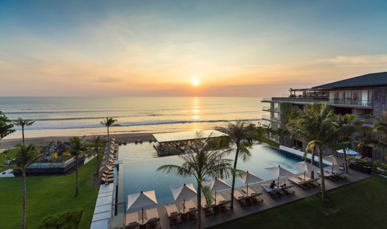 6 things to LOVE at Alila Seminyak (& why this beachfront resort is one of our all-time faves!)