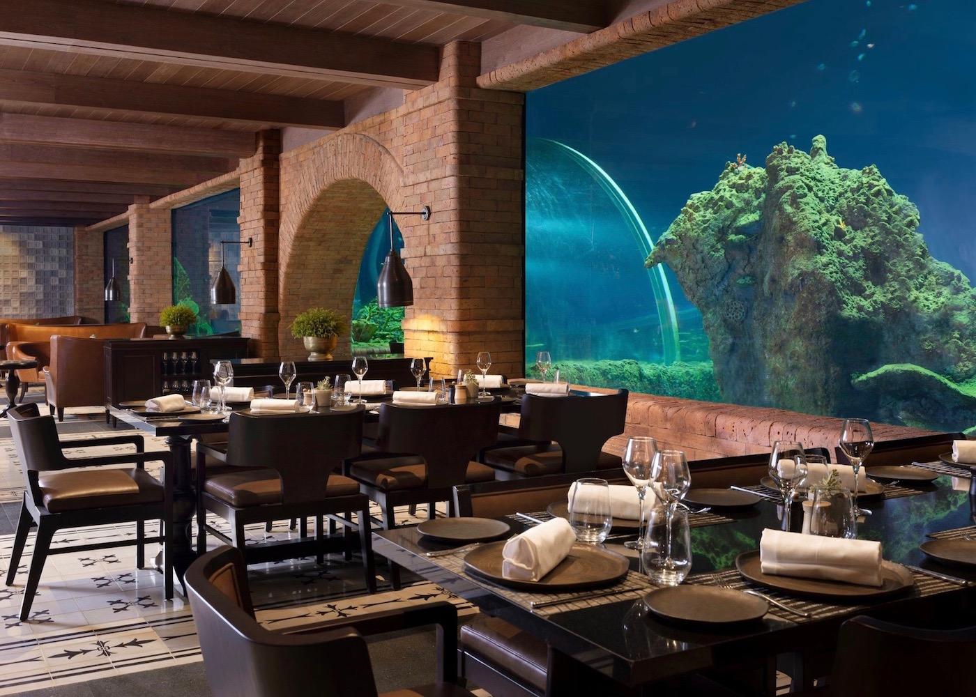 Unique uderwater restaurant in Bali - Koral
