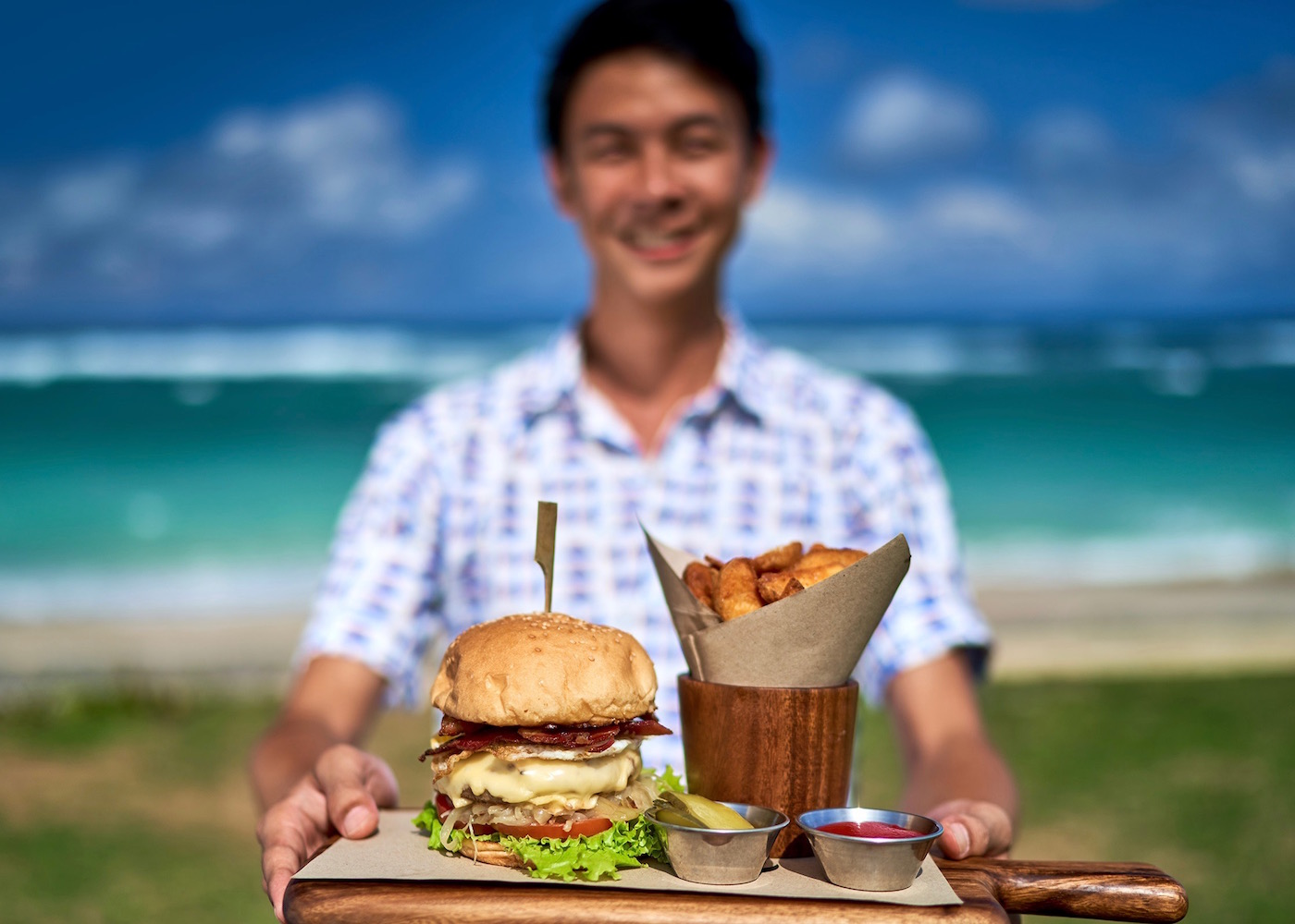 Sunday brunch by the beach? Head to Roosterfish Beach Club for fresh seafood, buckets of beer & unlimited avocado!