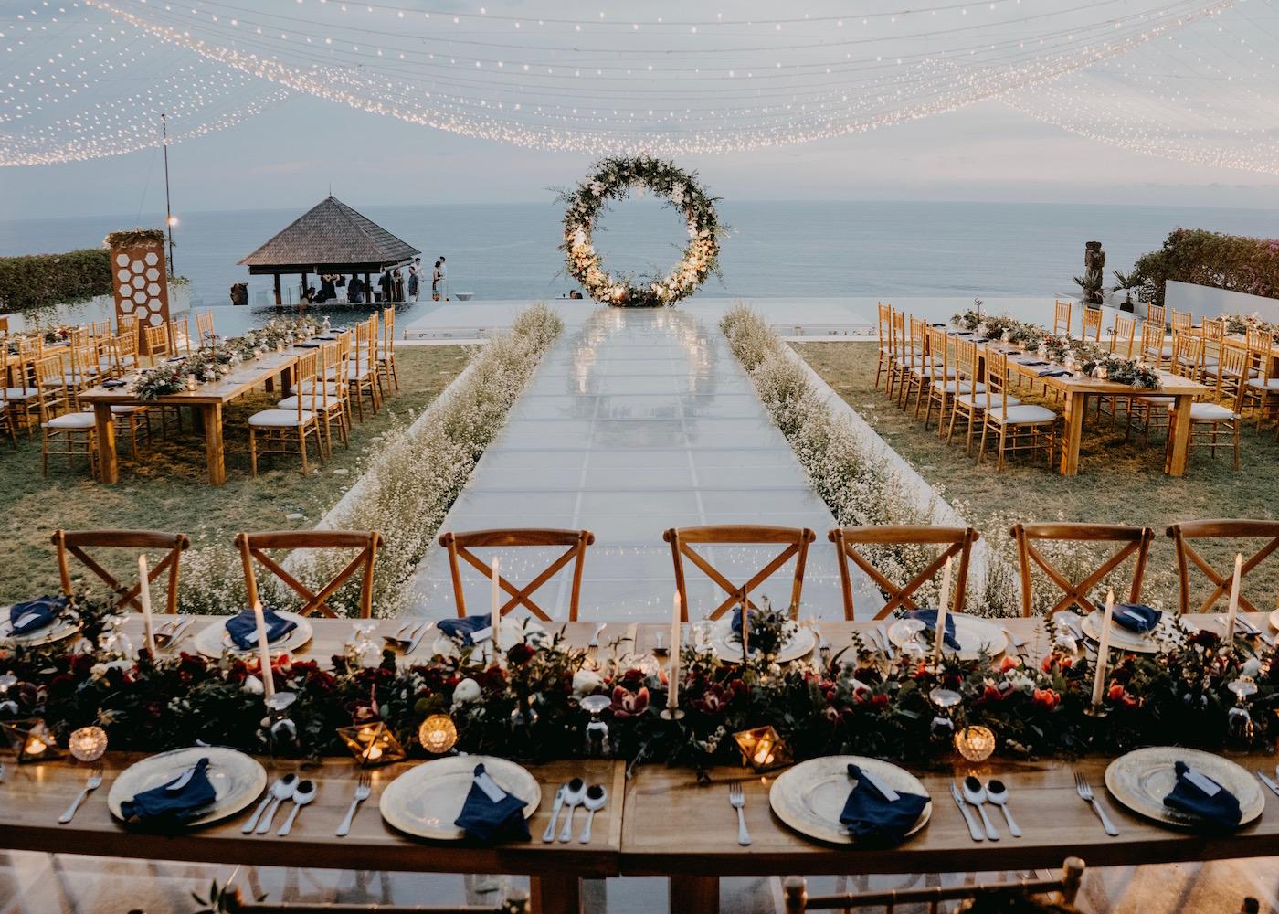 巴厘岛最适合婚礼的酒店之一The Surga - Villa Estate