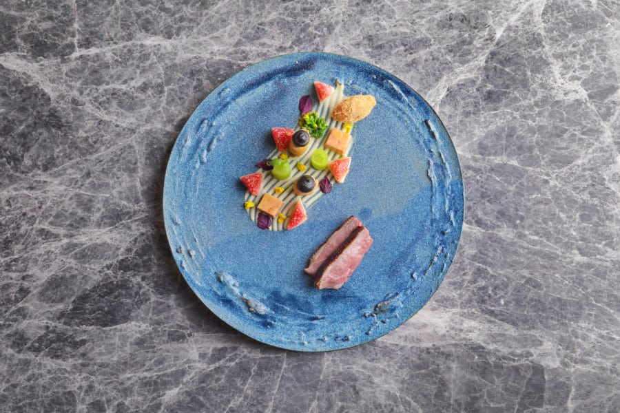 luxury restaurants on Hong Kong Island Vea plate