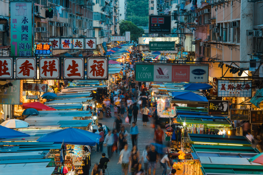 Markets in Hong Kong: Shop these markets around Mong Kok, Kowloon for gifts, souvenirs, jewellery and more