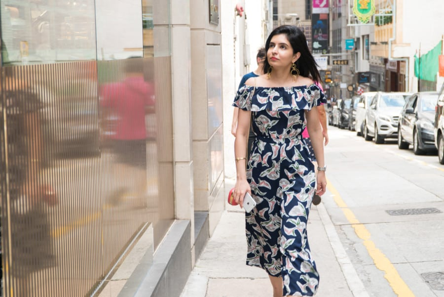 yeechoo shopping affordable fashion rent designer dresses online wellington street hong kong J.O.A