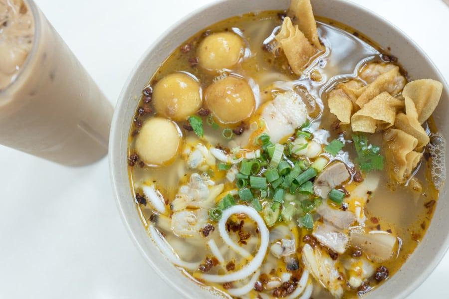 Mon-Wah-Tong-Kitchen-Cart-Noodle-Sai-Ying-Pun-lunch-Hong-Kong