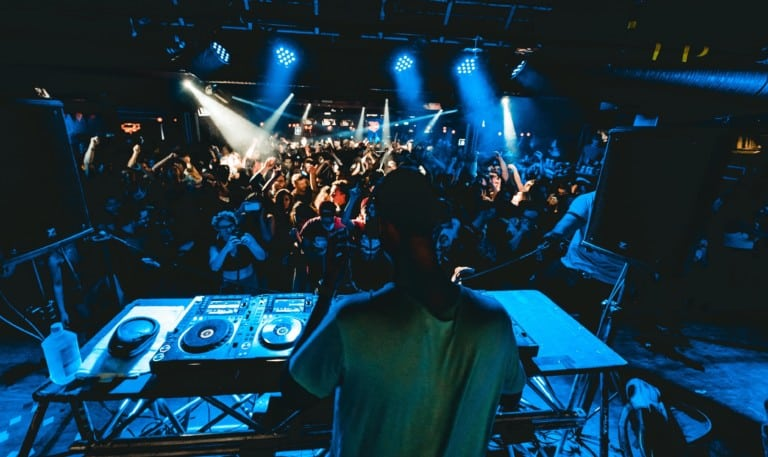 Hey night owls, these Hong Kong clubs have got the best dance floors, parties (and drinks!)