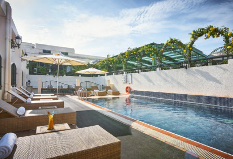 Windsor Plaza Hotel Saigon rooftop swimming pool