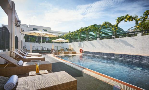 Windsor Plaza Hotel Saigon rooftop swimming pool