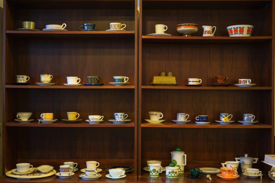 Foo Tak Building vintage cups