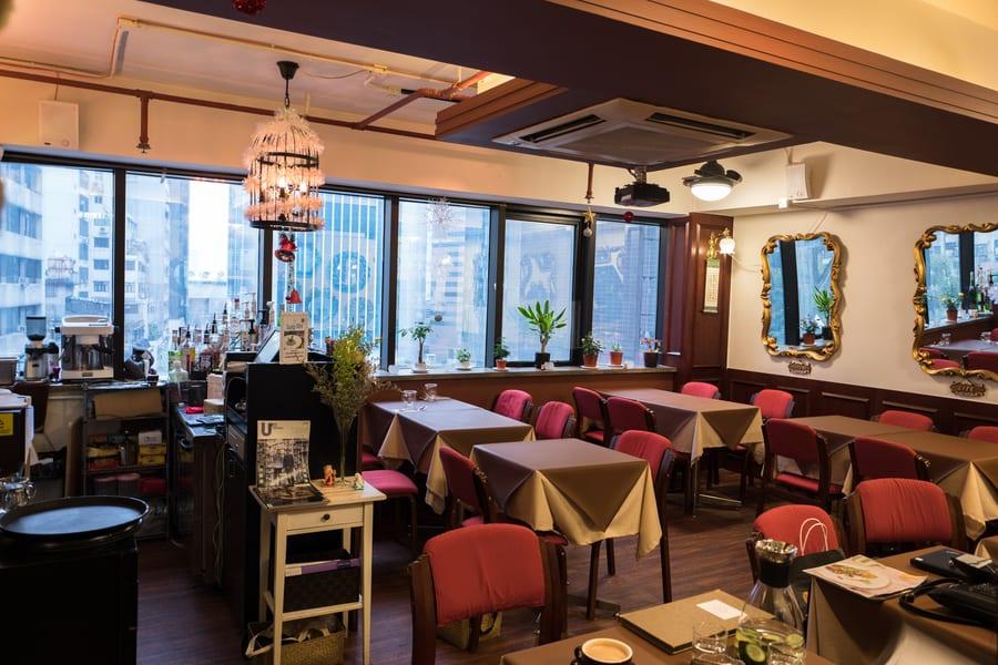 Mirror & Vegan Concept vegan vegetarian restaurant Hong Kong interior